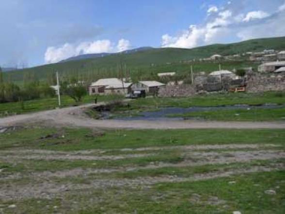 Կութ գյուղում մոտ 4 ժամ ծանր զինատեսակներից կրակոցներ են հնչել. գյուղապետ