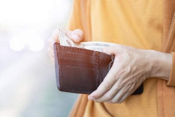 Քաղաքացուց դրամապանակը հափշտակած անձին մեղադրանք է առաջադրվել