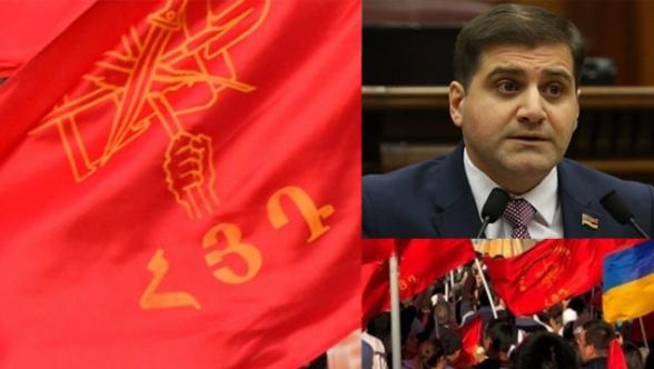 Դատարանը պարտավորեցրեց Արման Բաբաջանյանին ներողություն խնդրել ՀՅԴ-ից և կուսակցության Գերագույն մարմնի բոլոր անդամներից