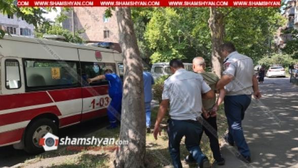 Երևանում տղամարդը ասում էր, որ փրկել է Թրամփին, ու երկնքից իրեն տեղեկություններ են փոխանցվել Հայաստանը փրկելու համար․ ոստիկաններն ու բժիշկները նրան ձեռնաշղթայված տեղափոխեցին «Ավան» հոգեկան առողջության կենտրոն