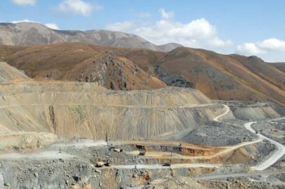 Սոթքի հանքավայրի տարածքում գիշերն անկանոն կրակոցներ են հնչել, հանքավայրի աշխատանքը դադարեցվել է, մոտ 150 աշխատակիցները՝ տարհանվել
