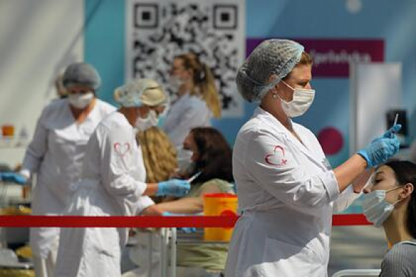 Российские ученые назвали группу людей с наилучшей выработкой антител к COVID-19