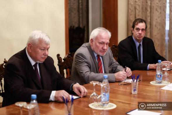 Немедленно разрядить обстановку и вернуться к переговорам – сопредседатели МГ ОБСЕ