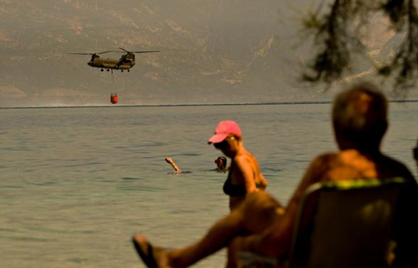 В Греции из-за рекордной жары вспыхнули крупные пожары