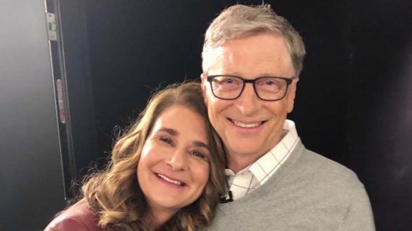Билл Гейтс официально развелся с женой Мелиндой