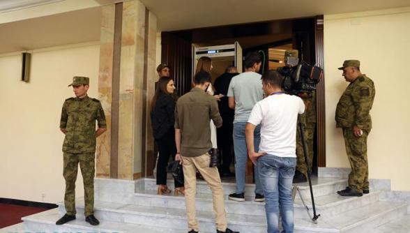 Журналисты проводят в НС сбор подписей с требованием отменить введенные ограничения