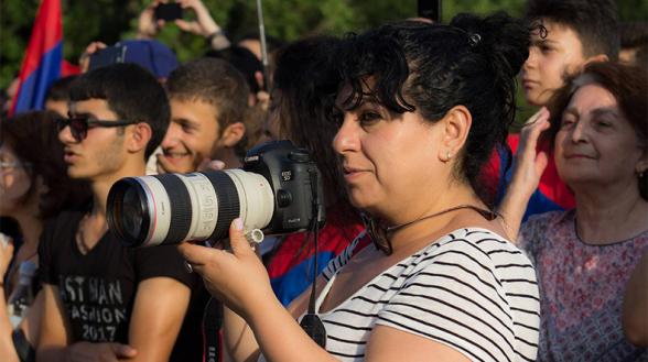 НС запретило фотокорреспонденту «Panorama.am» вход в парламент