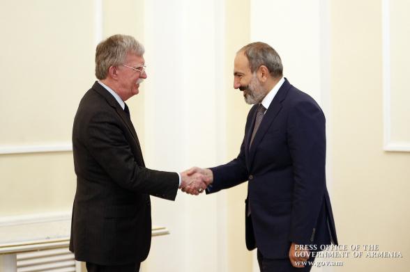 Армения лишается «дороги жизни»: план Болтона (видео)