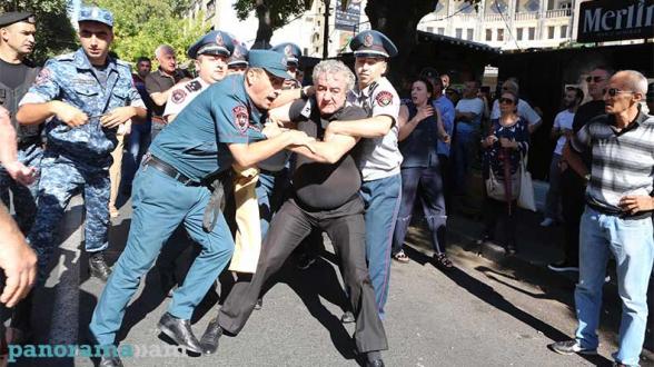 Վարչախմբի պարագլուխը վախի ստրուկն է, իսկ ոստիկանները՝ վախի ստրուկի կամակատարները