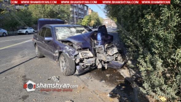 Նժդեհի փողոցում բախվել են Opel-ն ու Mercedes-ը, վերջինս էլ բախվել է էլեկտրասյանը, կա վիրավոր