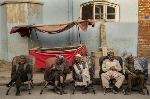 Թալիբներն արգելել են տղամարդկանց սափրել մորուքն ու վարսավիրանոց այցելել