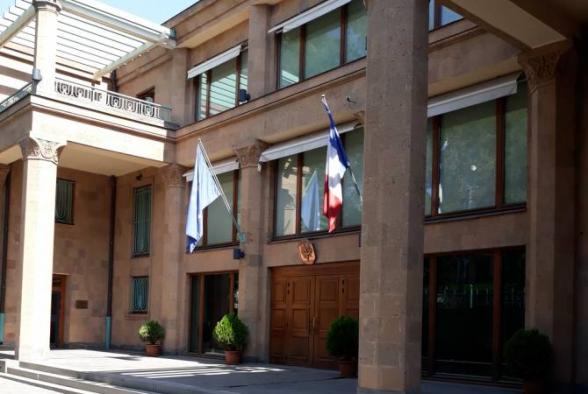 Франция не пожалеет усилий для возобновления диалога в рамках сопредседателей МГ ОБСЕ