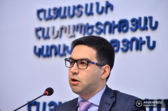 Հիմա այդպիսին է նոր կարգը, վարչապետի նկարն իմ աշխատասենյակում էլ է կախված․ Ռուստամ Բադասյան