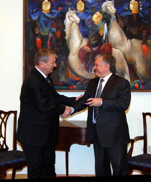 Հայաստանի ԱԳ նախարար Էդվարդ Նալբանդյանն ընդունեց Հայաստանում Ռուսաստանի Դաշնության դեսպանին