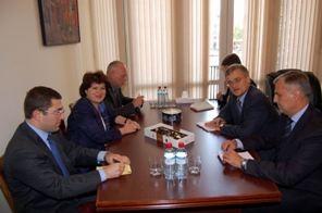 ՀՀ ԱԳ նախարարի տեղակալ Կարինե Ղազինյանը հանդիպել է Հարավային Կովկասում Եվրոպական Միության հատուկ ներկայացուցչի հետ