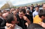 Զորամասում սպանվածի հարազատները Երևան–Սևան մայրուղում
