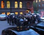 Ցուցարարները փակել են Սերժ Սարգսյանի ճանապարհը. քաշքշուկ է տեղի ունեցել