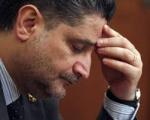 Կառավարության մոտ ցուցարարները Տիգրան Սարգսյանին խորհուրդ են տալիս փախչել ծաղկավոր խալաթով