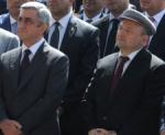 Սերժ Սարգսյանը Գյումրիում հանդիպել է Վարդան Ղուկասյանի և նրա որդու հետ