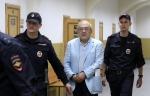 Դատարանը պարտավորեցրել է Լևոն Հայրապետյանին մասնակցել նիստին