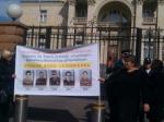 Զոհված զինվորների մայրերը բողոքում են Բաղրամյան 26-ի դիմաց (տեսանյութ)
