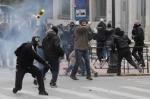 Աթենքի ոստիկանությունը լուսաձայնային նռնակներ է կիրառել ցուցարարներին ցրելու համար
