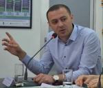 Իրավաբան Արա Ղազարյանն էլ է բռնել Հրայր Թովմասյանի ճանապարհը