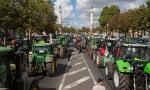 Ֆրանսիացի ֆերմերները տրակտորներով «գրոհել են» Փարիզը (տեսանյութ)