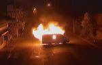 Զինված խումբը այրել է ՊՊԾ գնդի ծառայողական մեքենաներից մեկը (տեսանյութ)