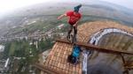 Ռումինիայից ակրոբատը շրջել է  250–մետրանոց խողովակի եզրով