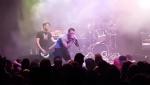 Երաժիշտը բեմի վրա կոտրել է 2 ոտքը, սակայն շարունակել է երգել (տեսանյութ, լուսանկար)