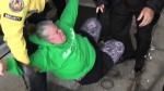 Կանադայում ակտիվիստը Ջասթին Թրյուդոյի ուղղությամբ դդմի սերմեր է նետել (տեսանյութ)
