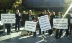 Խորենացի փողոցում ձերբակալվածների ծնողները բողոքի ակցիա են իրականացրել նախագահականի դիմաց (տեսանյութ, լուսանկար)