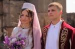 Российское ТВ показало свадьбу русской пары по армянским традициям (видео)