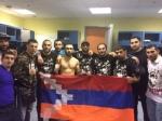 После победы над азербайджанским бойцом поднял флаг Арцаха (видео)