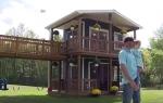 Հայրն իր դստրերի համար աներևակայելի մի տնակ է կառուցել