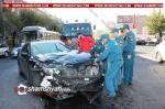 «Կոմիտաս» շուկայի մոտ Toyota-ն դուրս է եկել հանդիպակաց երթևեկելի գոտի բախվել Renault տաքսուն, վերջինն էլ՝ կայանված Audi-ին. կան վիրավորներ