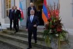 Թուրքերի, ադրբեջանցիների ու ռուսների հետ բանակցելուց տակ է տալիս
