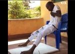Հաշմանդամ երիտասարդը ոտքերի միջոցով հրաշալի նկարներ է ստեղծում