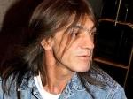 Մահացել է AC/DC խմբի հիմնադիրներից Մալքոլմ Յանգը (տեսանյութ)