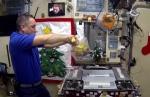 «Օլիվյե» անկշռելիության պայմաններում․ ինչպես են տիեզերագնացները պատրաստել ամանորյա գլխավոր աղցանը