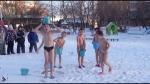 Կոփվել մանկուց․ Սիբիրում մանկապարտեզի երեխաները փողոցում իրենց վրա դույլով ջուր են լցնում