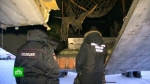 Օդանավակայանում հավաքել են ինքնաթռից թափված ոսկու սալիկները
