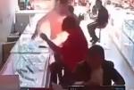 Չինաստանում բջջային հեռախոսը պայթել է տիրոջ ձեռքի մեջ (տեսանյութ)