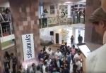 «Սինոփսիս Արմենիայի» աշխատակիցների քայլը ընդդեմ Սերժ Սարգսյանի (տեսանյութ)