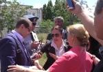 Սարի թաղի գործով ամբաստանյալների աջակիցները շրջափակել են դատախազին (տեսանյութ)