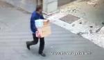 Գողություն է կատարվել կայանված ավտոմեքենայի սրահից (տեսանյութ)