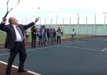 Արմեն Սարգսյանը հիմա էլ մեծ թենիս է խաղացել (տեսանյութ)