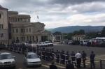 Արցախում նախատեսված հանրահավաքից առաջ ոստիկանությունը փակել է Վերածննդի հրապարակը (տեսանյութ)