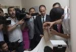 Արտակարգ դրության վերացման առիթով թուրք պատգամավորը սափրել է մորուքը (լուսանկար)